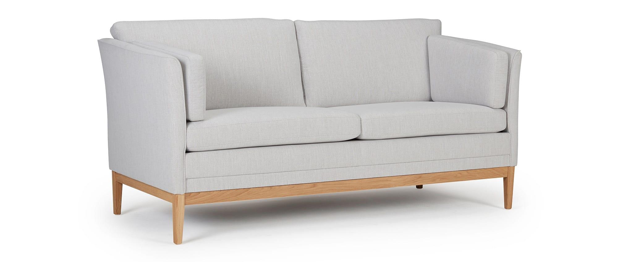 designer sofa helsinki als 2 5 sitzer mit polsterarmlehnen und seitenkissen. Black Bedroom Furniture Sets. Home Design Ideas