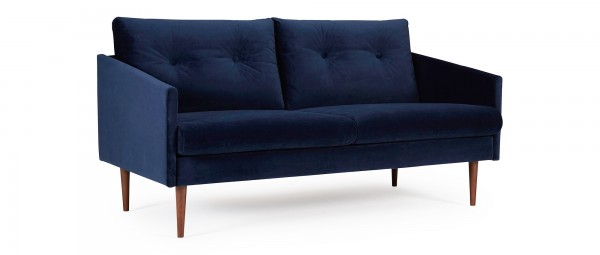 KARLSTAD 2,5-Sitzer Designer Sofa mit Polsterarmlehnen und versteppten Rückenkissen