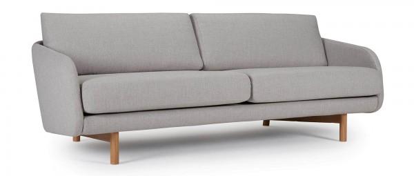 GRIMSTAD 3-Sitzer Designer Sofa mit Polsterarmlehnen und hellen Holzfüßen