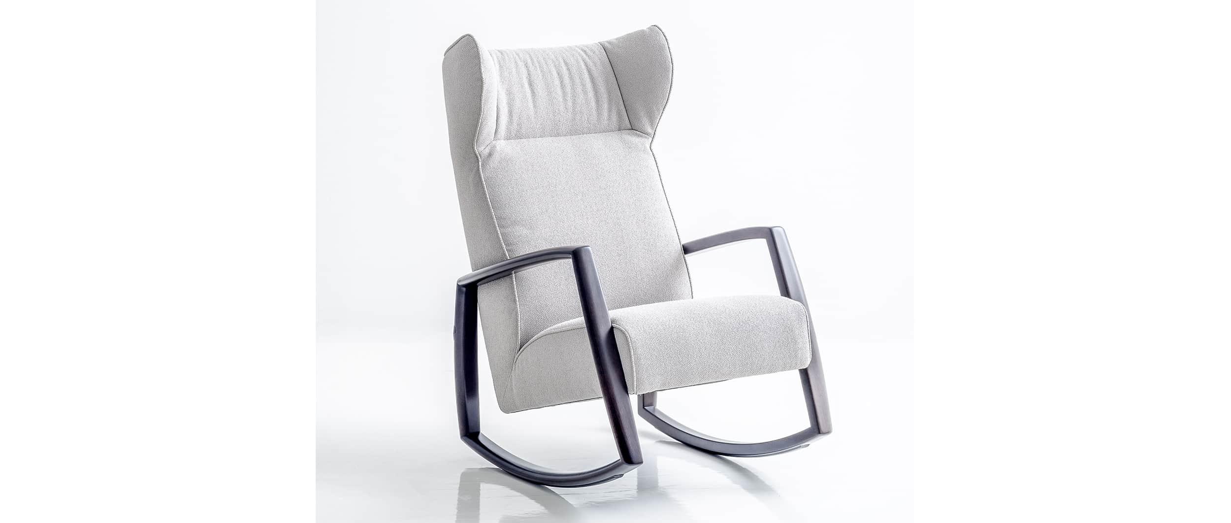 der bequeme schaukelstuhl dondolo von franz fertig. Black Bedroom Furniture Sets. Home Design Ideas