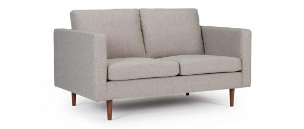 HALMSTAD 2-Sitzer Designer Sofa mit Polsterarmlehnen und Holzfüßen