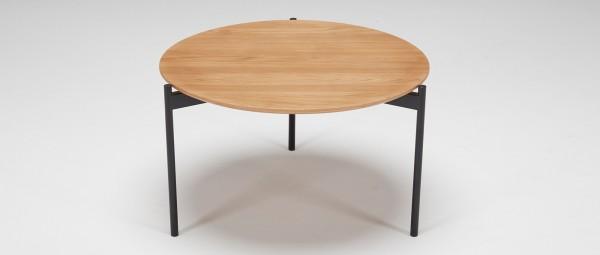 PORI Holztisch mit schwarzen Metallfüßen
